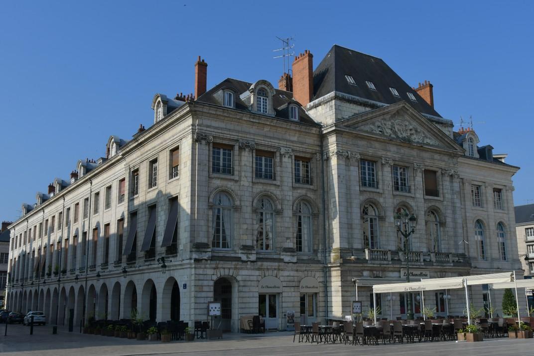 Cambra de Comerç de la plaça del Martroi d'Orleans