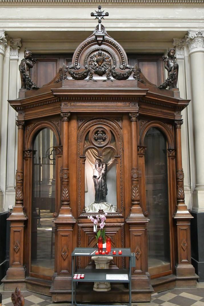 Cambril de la Verge Negra amb Nen de l'església de Santa Caterina de Brussel·les