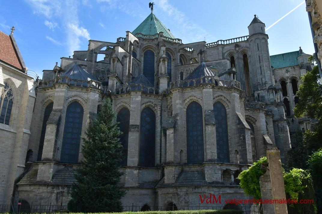 Capçalera de la Catedral de Chartres