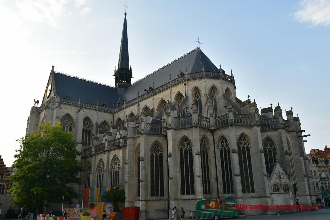 Capçalera de l'església de Sant Pere de Lovaina