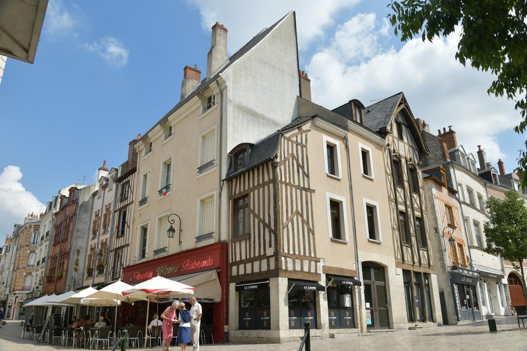 Cases d'entramat de fusta de la plaça del Châtelet d'Orleans