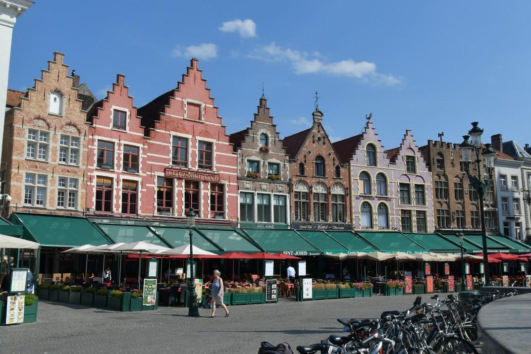 Cases Gremials de la plaça del Mercat Gran de Bruges