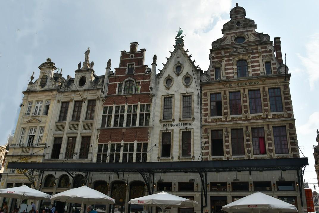 Cases gremials de la plaça del Mercat Gran de Lovaina