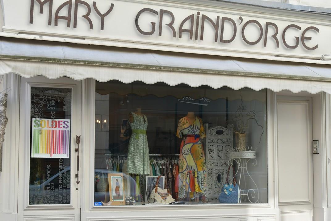 Comerços del carrer de Joana d'Arc d'Orleans