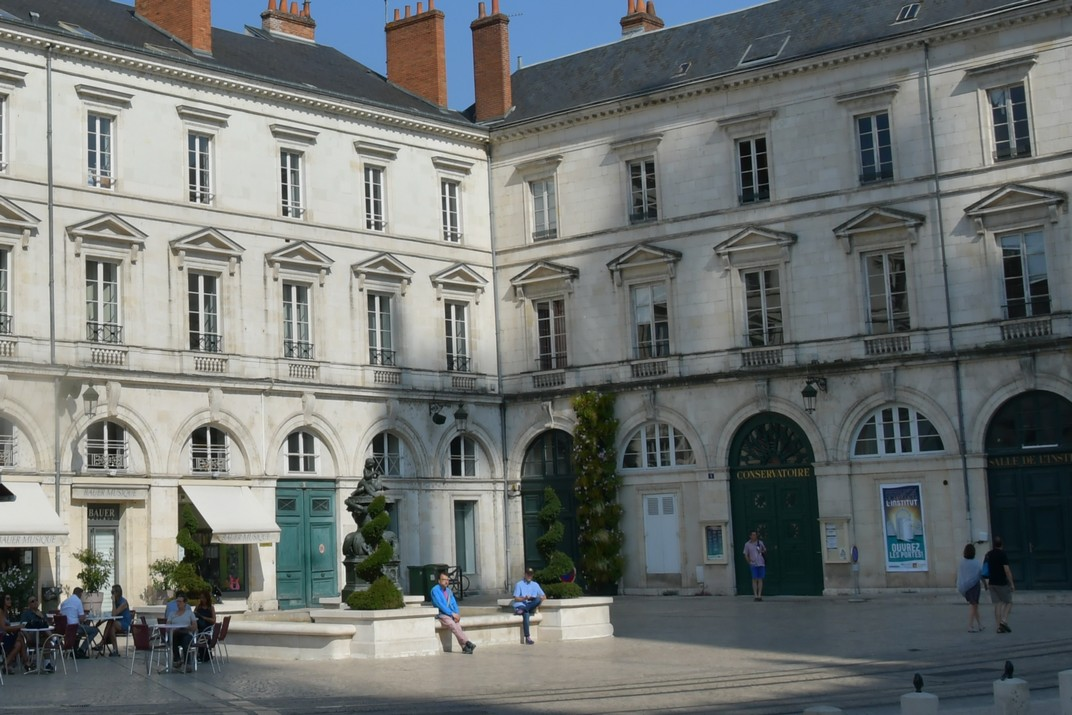 Conservatori de Música de la plaça Santa Creu d'Orleans