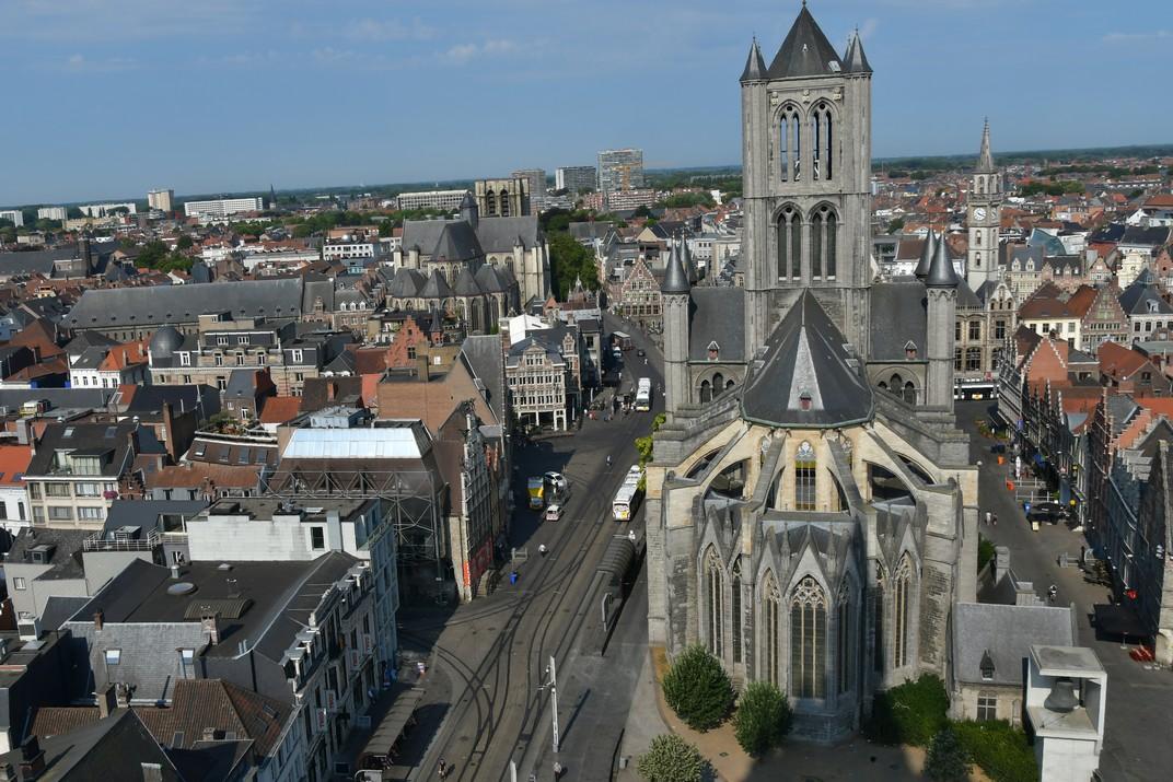 Contraforts del Cor de l'església de Sant Nicolau de Gant
