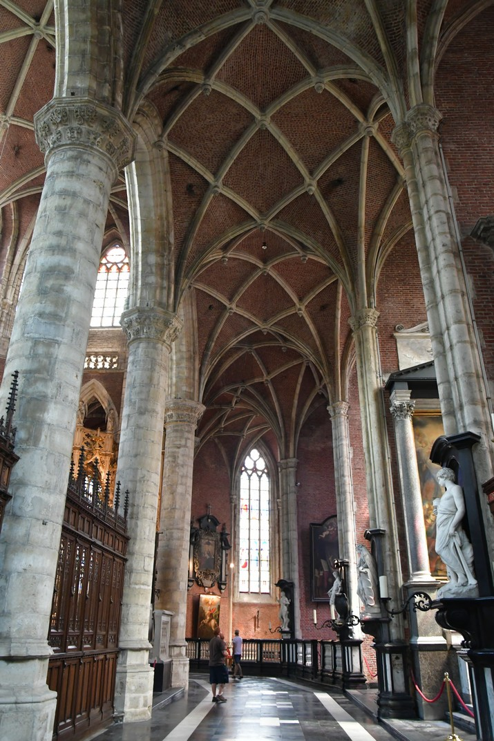 Deambulatori de l'església de Sant Miquel de Gant
