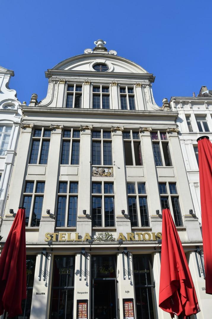 Edifici de Stella Artois de la Plaça Àgora de Brussel·les