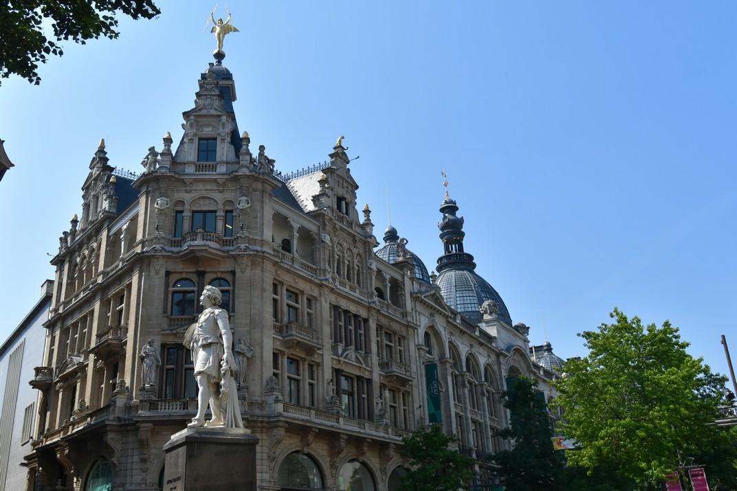 Edificis singulars del carrer Meir d'Anvers