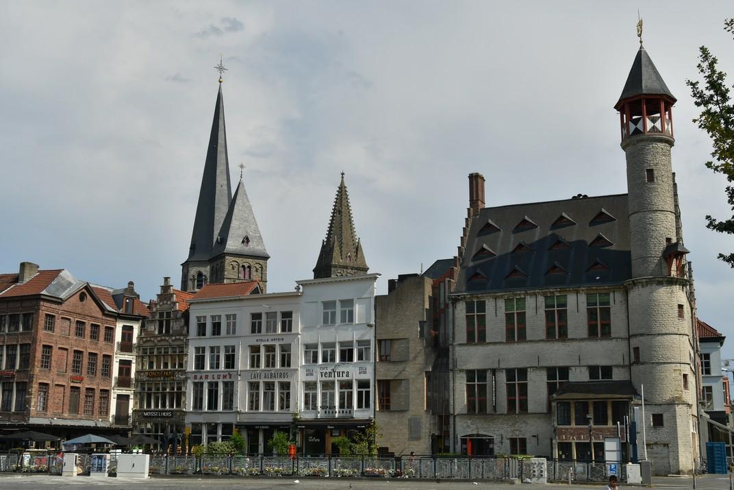 El Tokeren de la Plaça del Mercat del Divendres de Gant