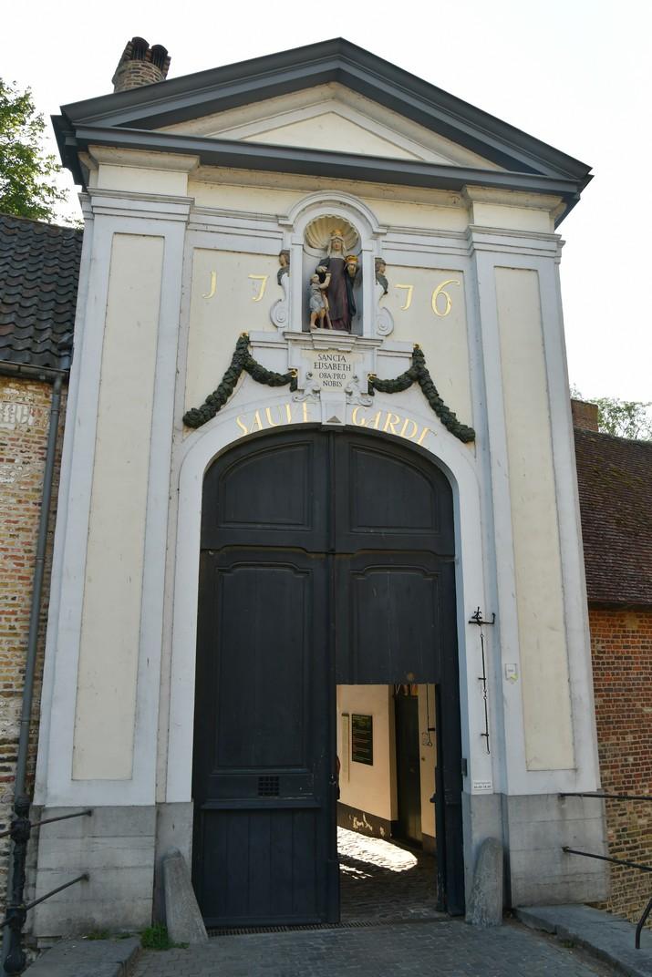 Entrada del Beateri de Bruges