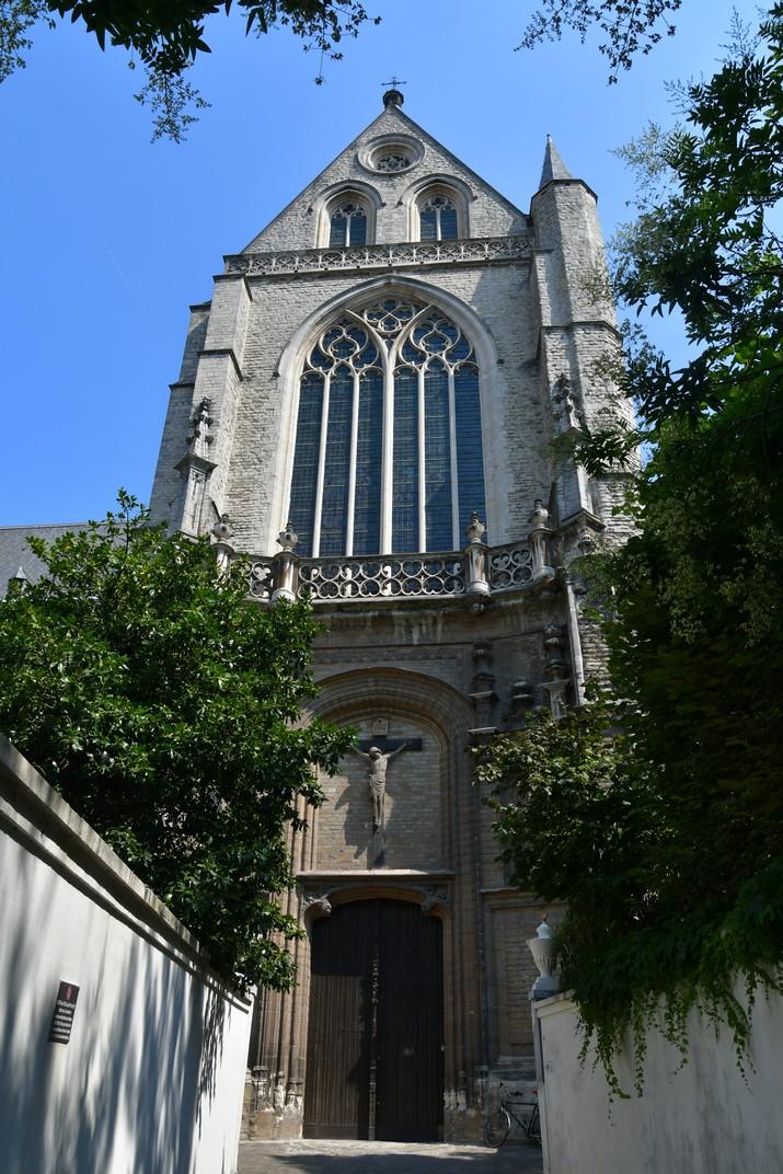 Entrada del transsepte de l'església de Sant Jaume d'Anvers