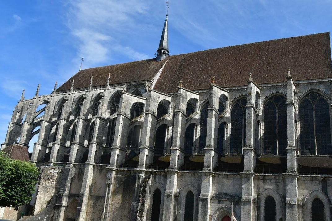 Església de Sant Pere de Chartres