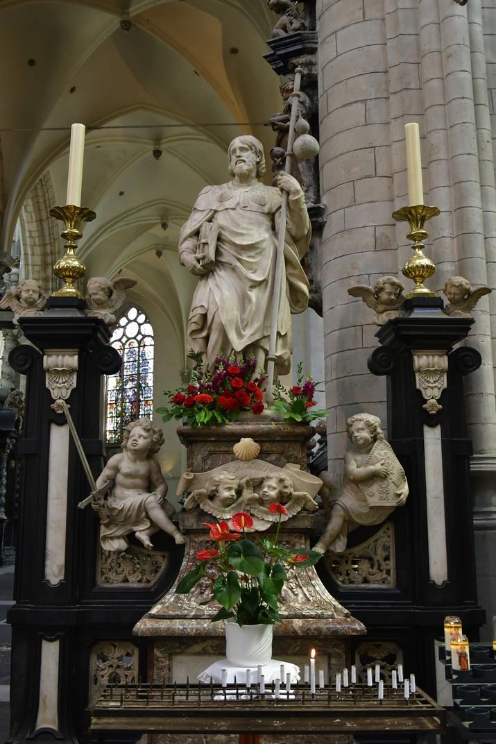 Estàtua de sant Jaume de l'església de Sant Jaume d'Anvers
