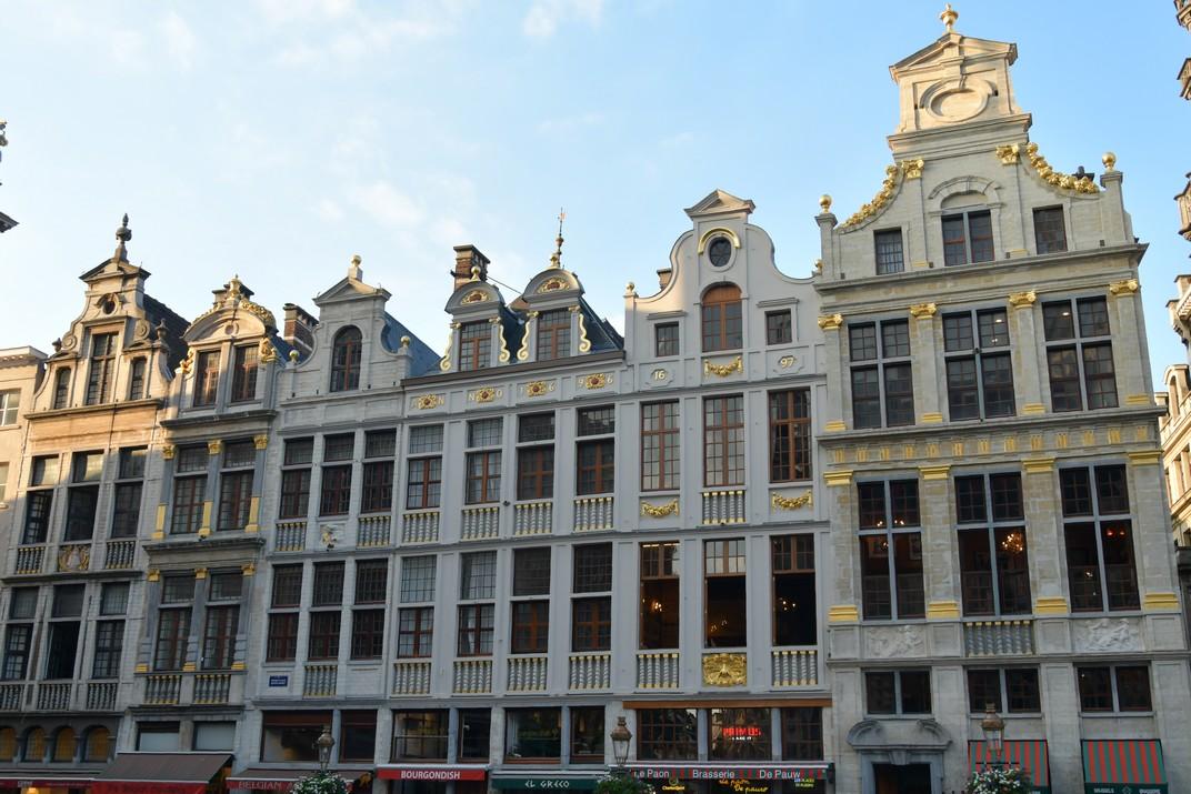 Façana nord-oest de la Gran Plaça de Brussel·les