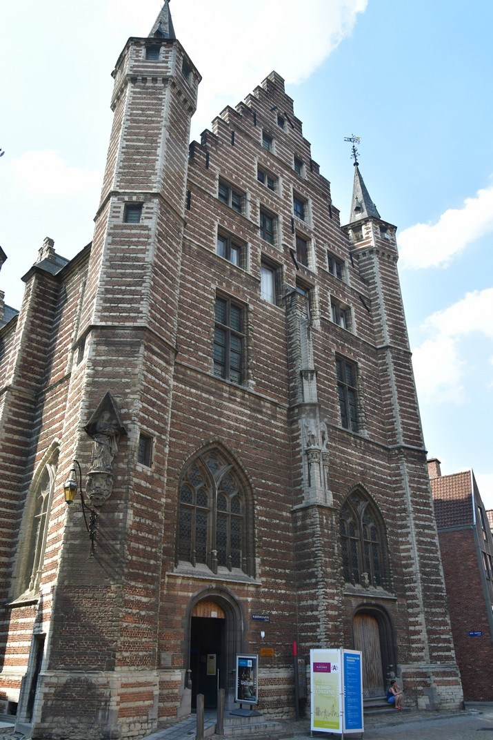 Façana principal de la Casa dels Carnissers d'Anvers