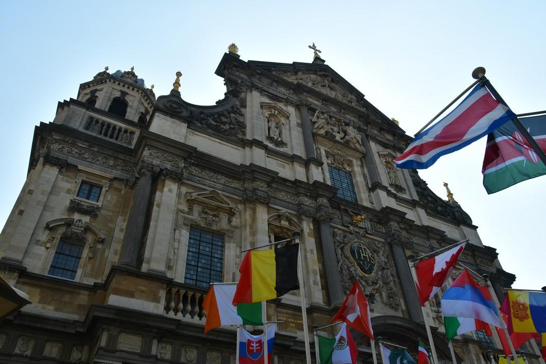 Façana principal de l'església de Sant Carles Borromeo d'Anvers