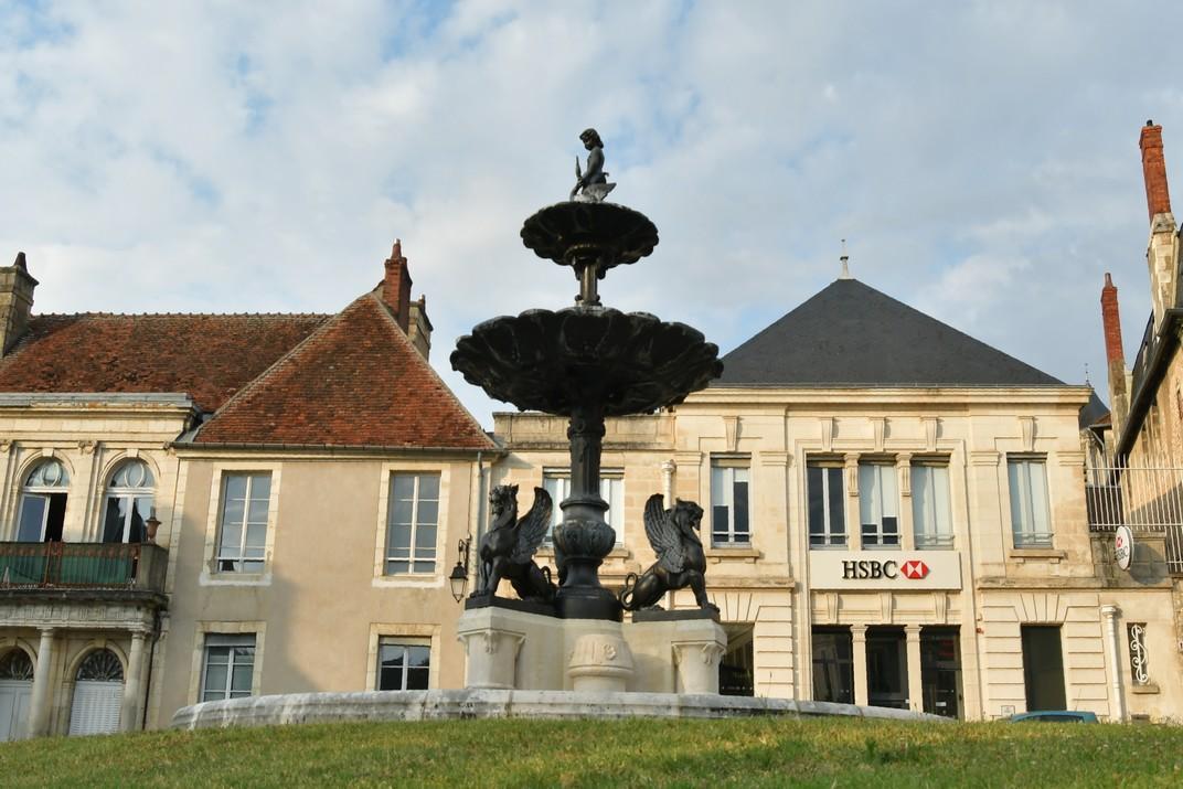 Font Bourdaloue de la plaça de Marcel-Plaisant de Bourges