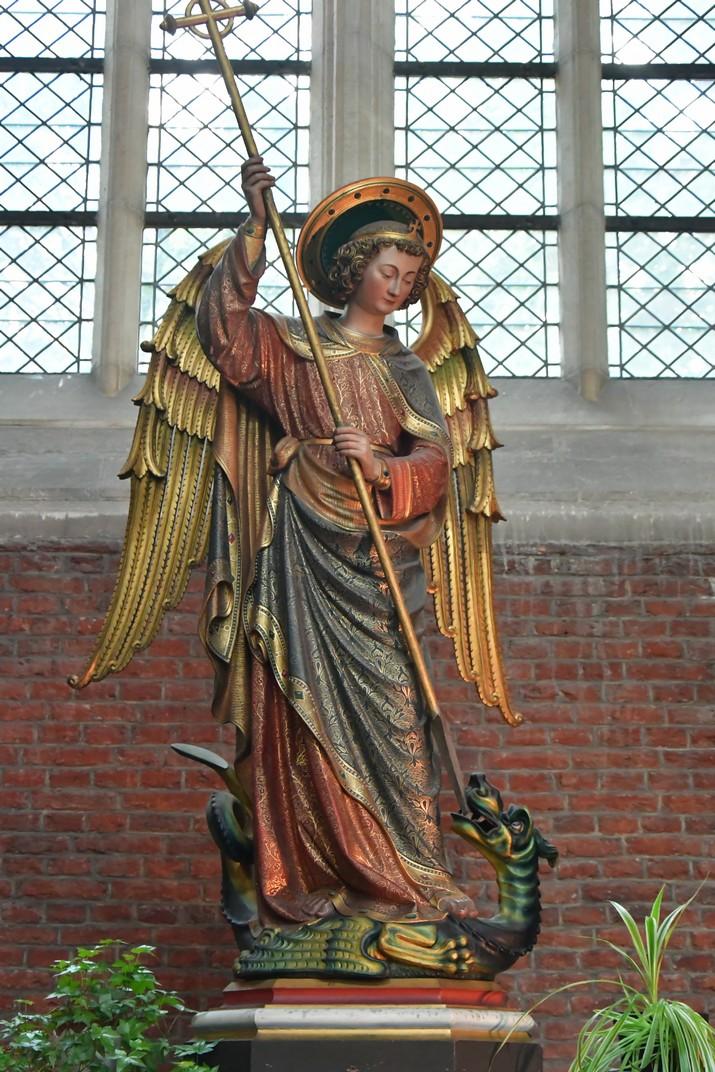Imatge de l'Arcàngel Sant Miquel de l'església de Sant Miquel de Gant
