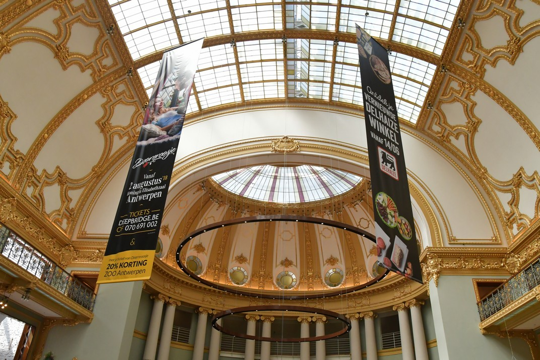 Interior de la Sala de Festes del carrer Meir d'Anvers