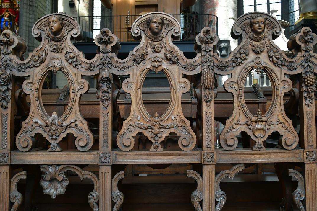 Mobiliari de l'església de Sant Nicolau de Gant