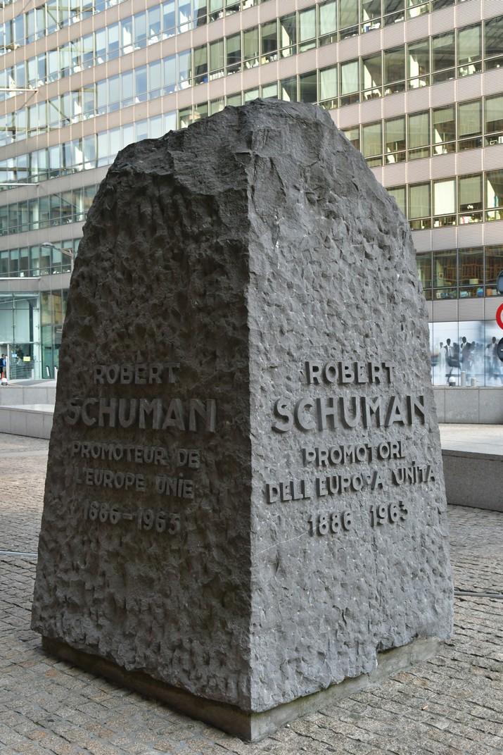 Monòlit a Schuman de l'edifici Berlaymont del Comissió Europea de Brussel·les
