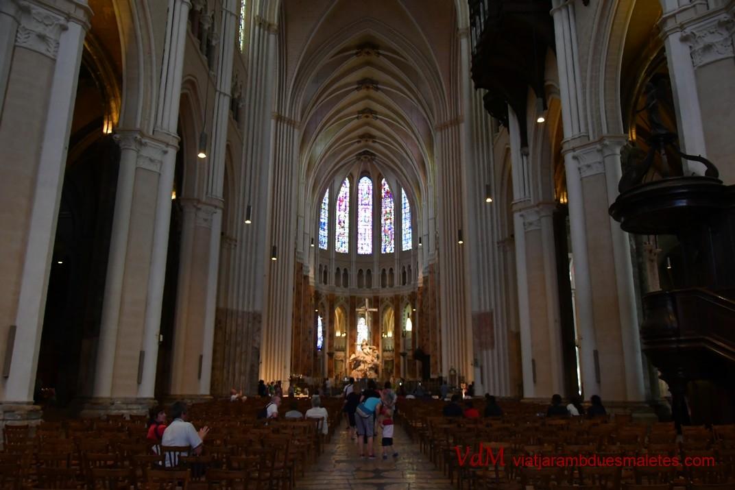 Nau central de la Catedral de Chartres