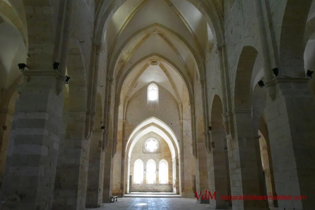 Nau central de l'església abacial de Noirlac