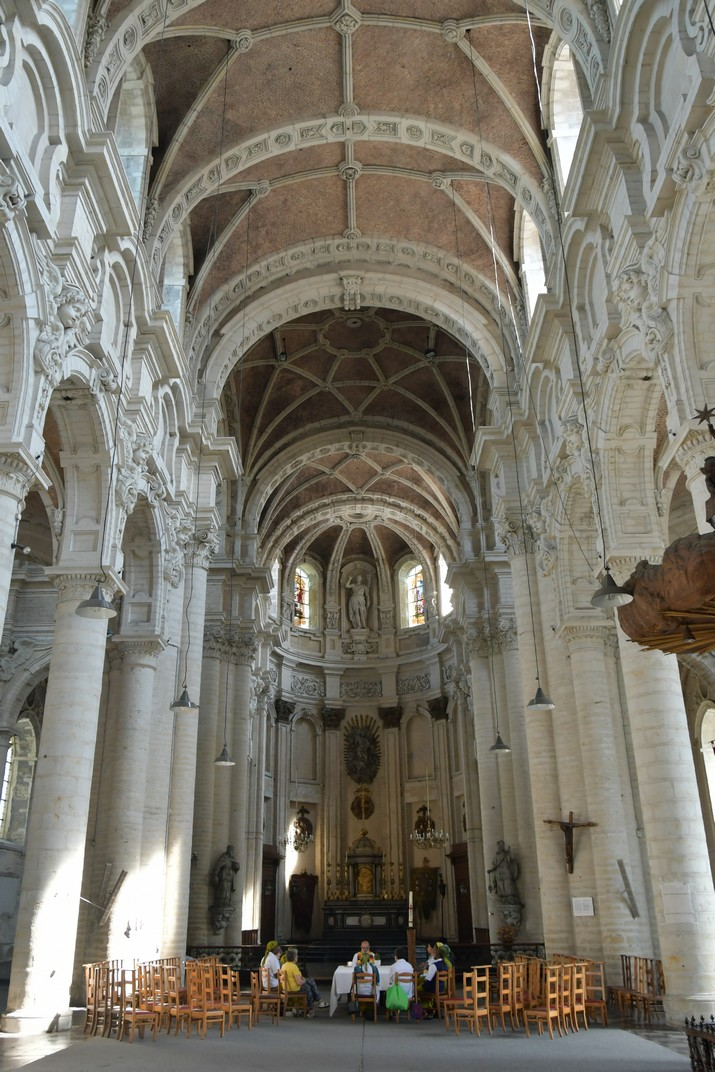 Nau central de l'església de Joan Baptista del Beateri de Brussel·les