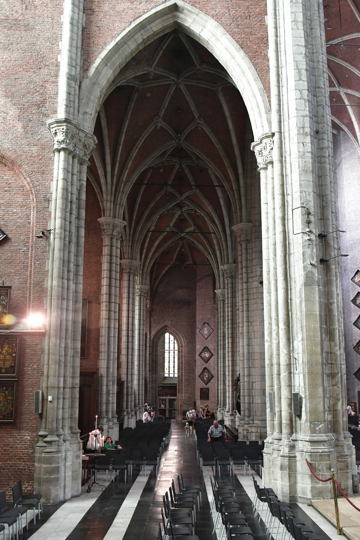Nau lateral de la Catedral de Sant Bavó de Gant