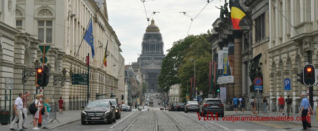 Palau de Justícia des del carrer de la Regència de Brussel·les