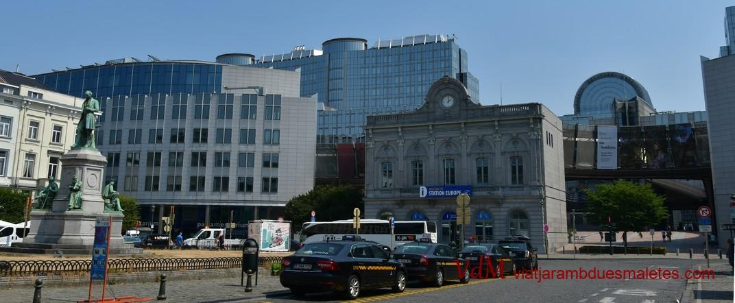 Parlament Europeu de Brussel·les des de la Plaça Luxemburg