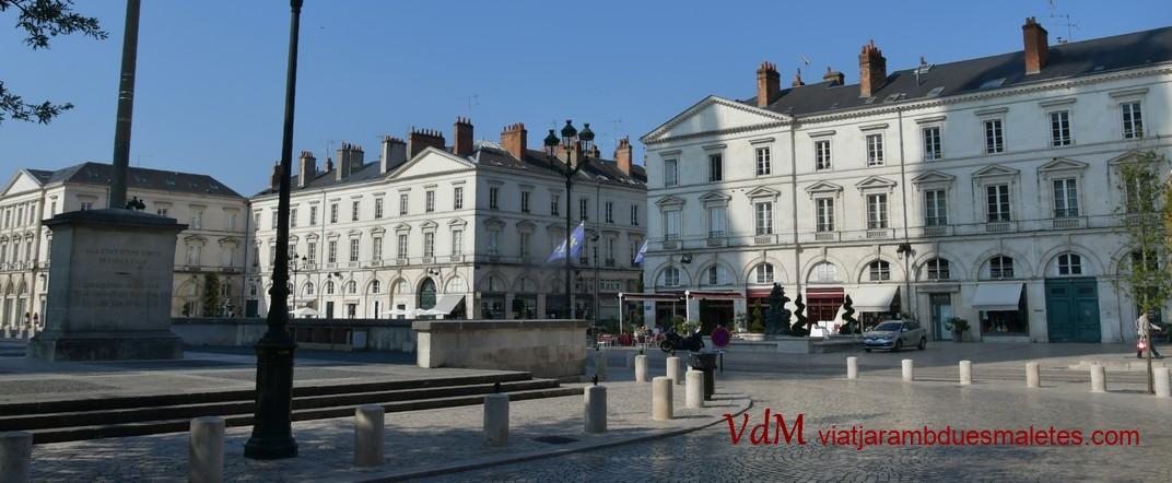 Plaça Santa Creu d'Orleans