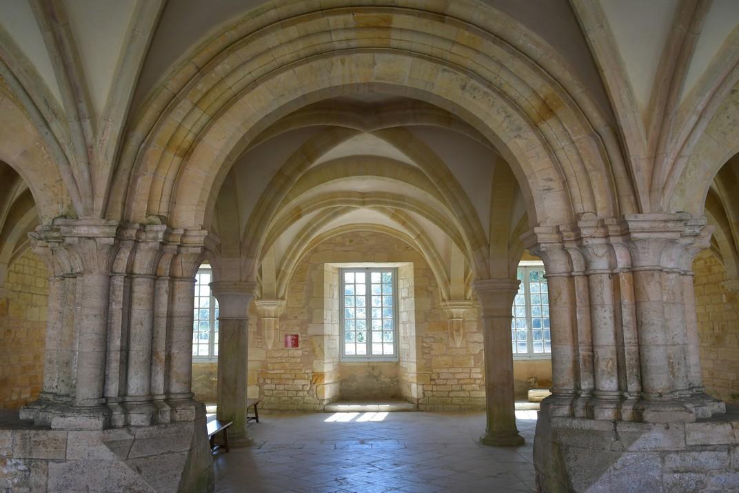 Pòrtic de la Sala Capitular de l'abadia de Noirlac