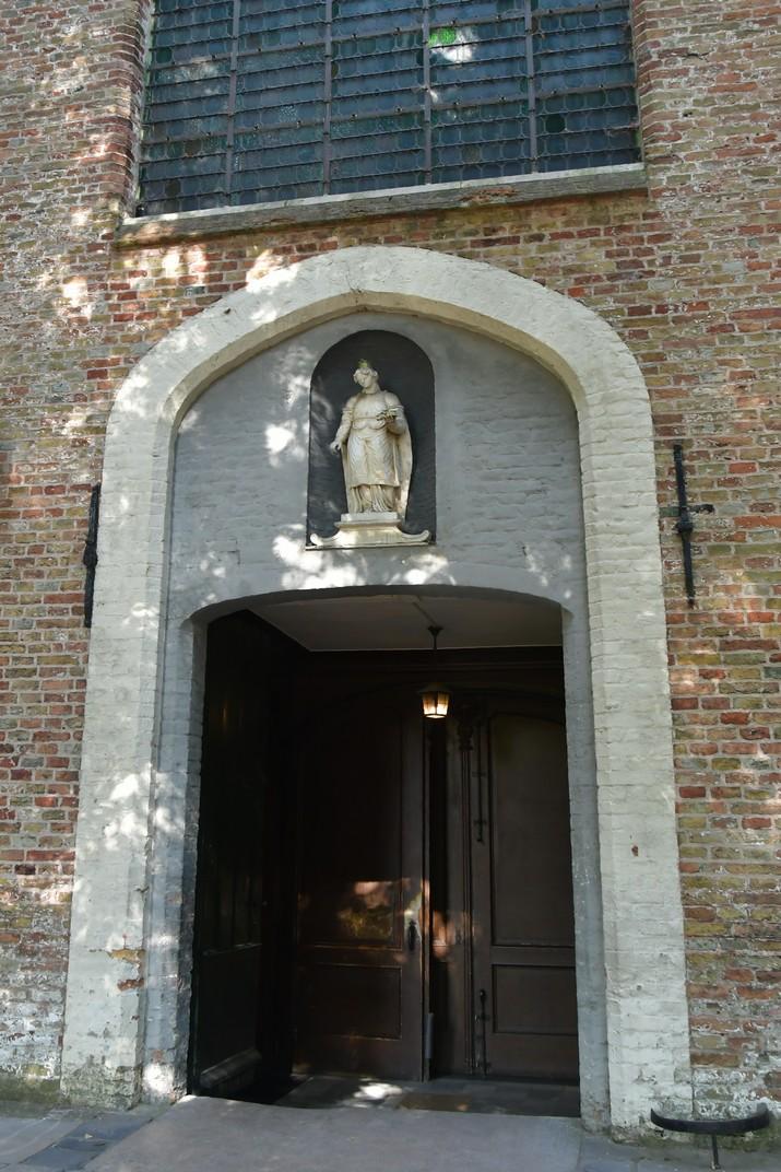 Pòrtic de l'església de Santa Isabel del Beateri de Bruges