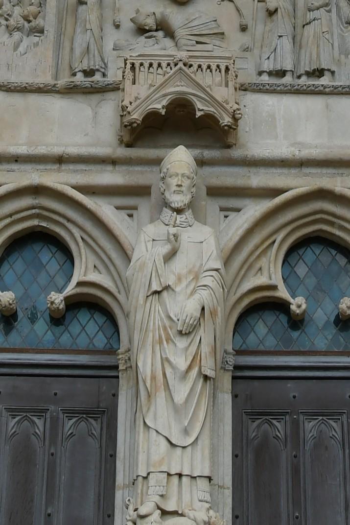 Representació de sant Ursí a la façana occidental de la Catedral de Bourges