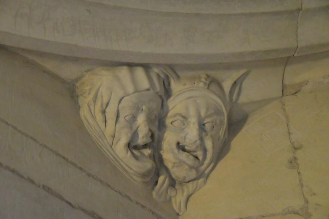 Representacions grotescas de la torre nord de la Catedral de Bourges