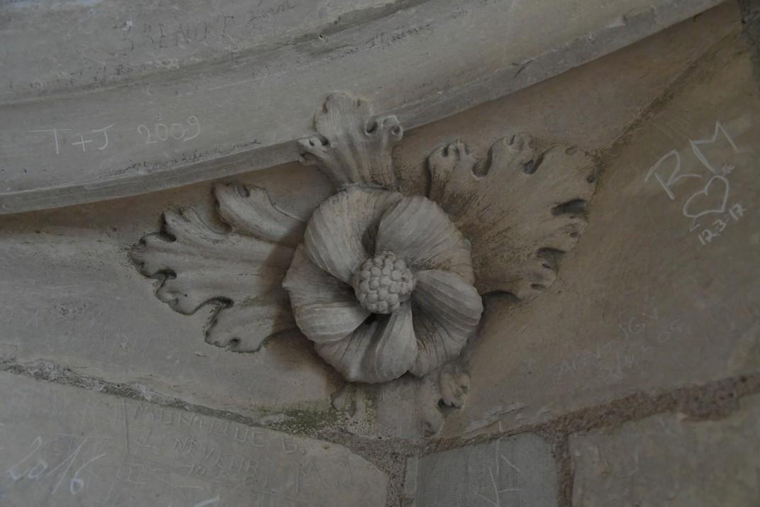Representacions vegetals de la torre nord de la Catedral de Bourges