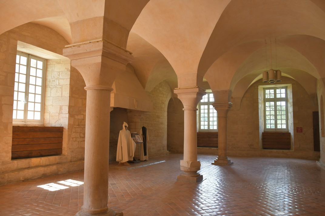 Sala dels monjos de l'abadia de Noirlac