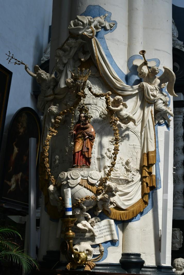 Tron de Nostra Senyora del Rosari de l'església de Sant Pau d'Anvers