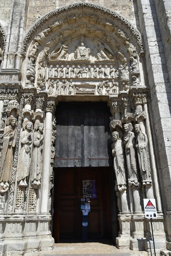Verge amb el Nen del Pòrtic Reial de la Catedral de Chartres