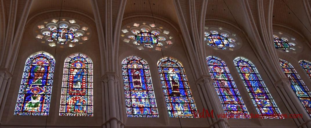 Vidrieres de la Catedral de Chartres