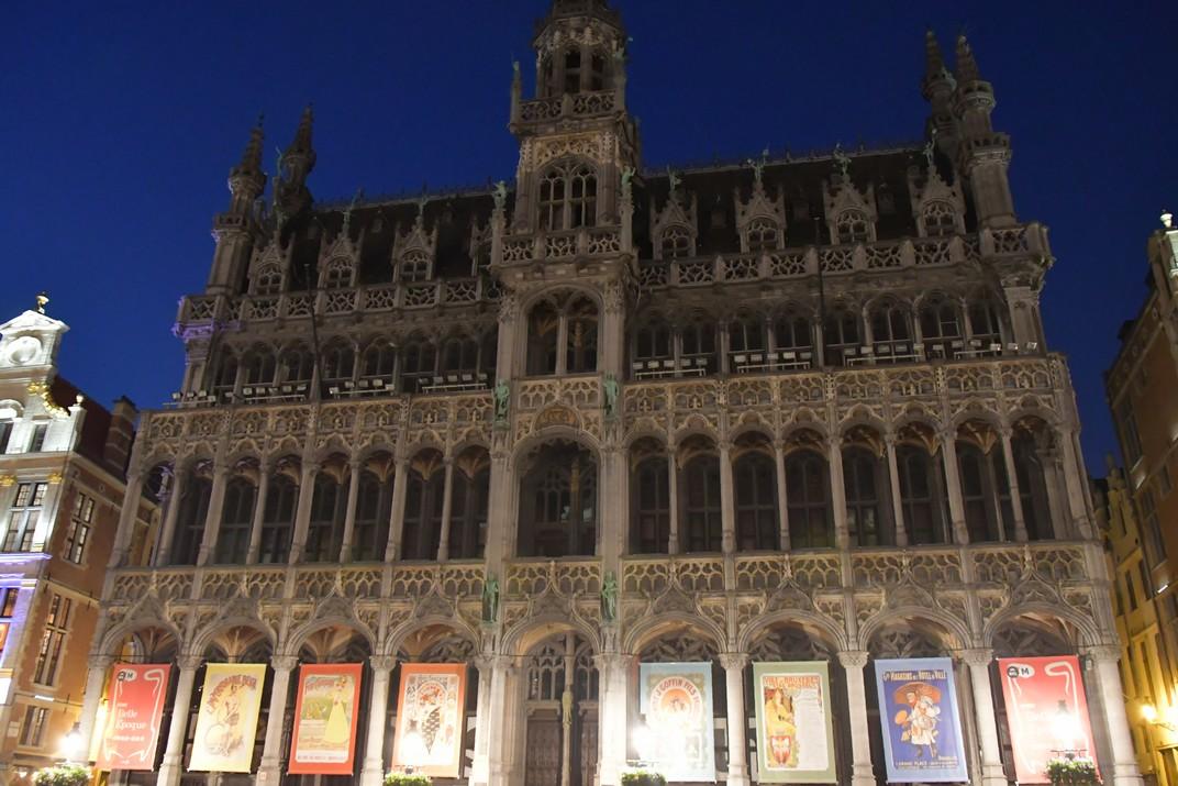 Visió nocturna de la Casa del Rei de Brussel·les