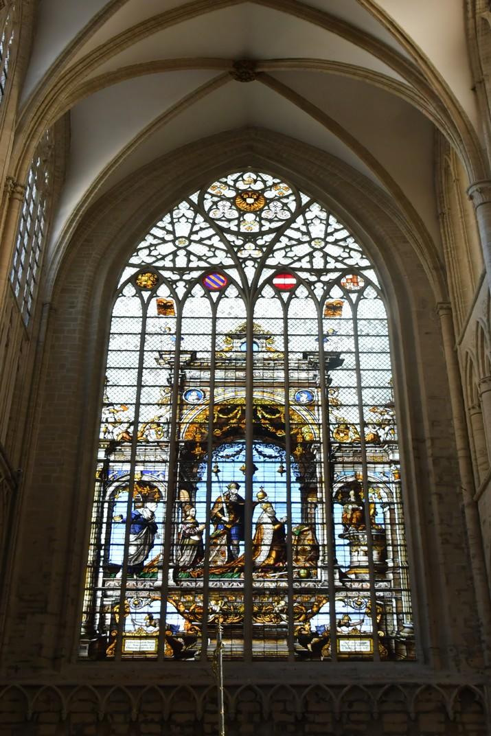 Vitrall de Carles V del costat nord del transsepte de la Catedral de Brussel·les
