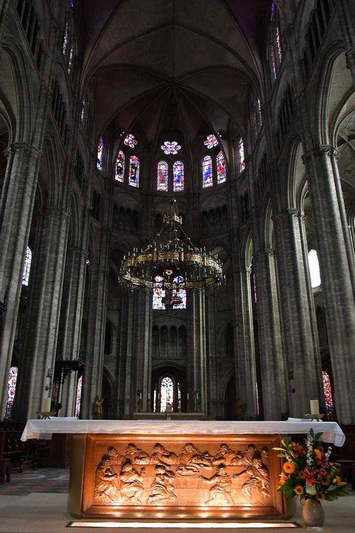 Vitralls alts de la girola de la Catedral de Bourges