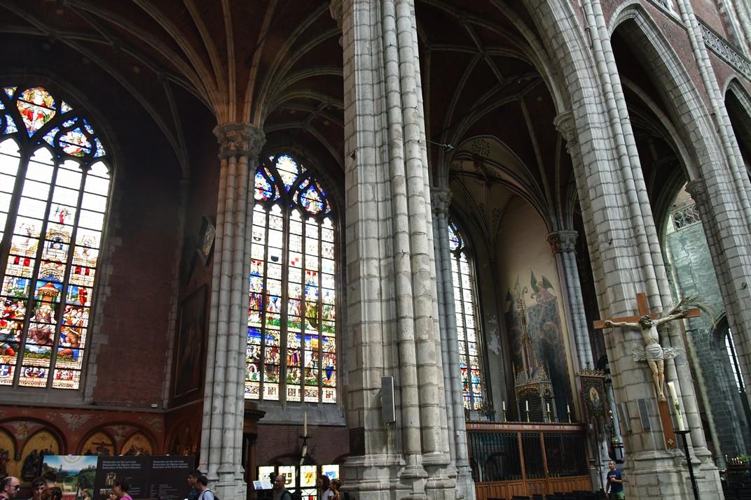 Vitralls inferiors de la Catedral de Sant Bavó de Gant