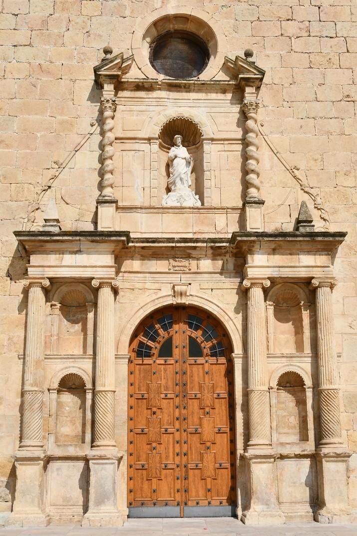 Pòrtic de l'església de Sant Jaume de Tivissa de la Ribera d'Ebre