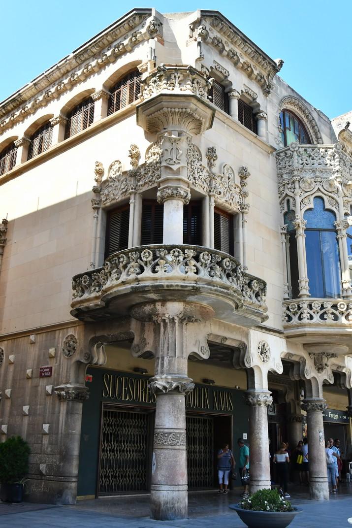Balcó rodó de la Casa Navàs de Reus