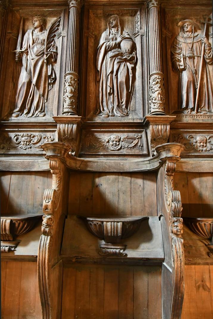 Detall del cadirat del cor dels canònics de la Catedral de Santa Maria de Tortosa