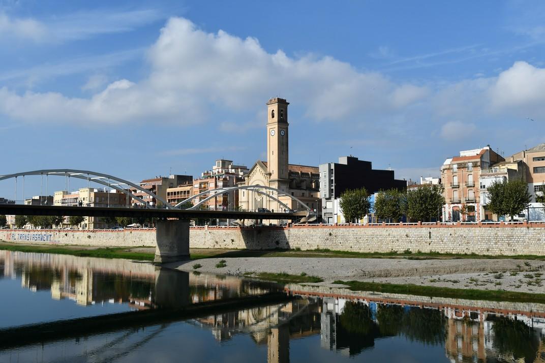 Pont de l'Estat i església del Roser de Tortosa